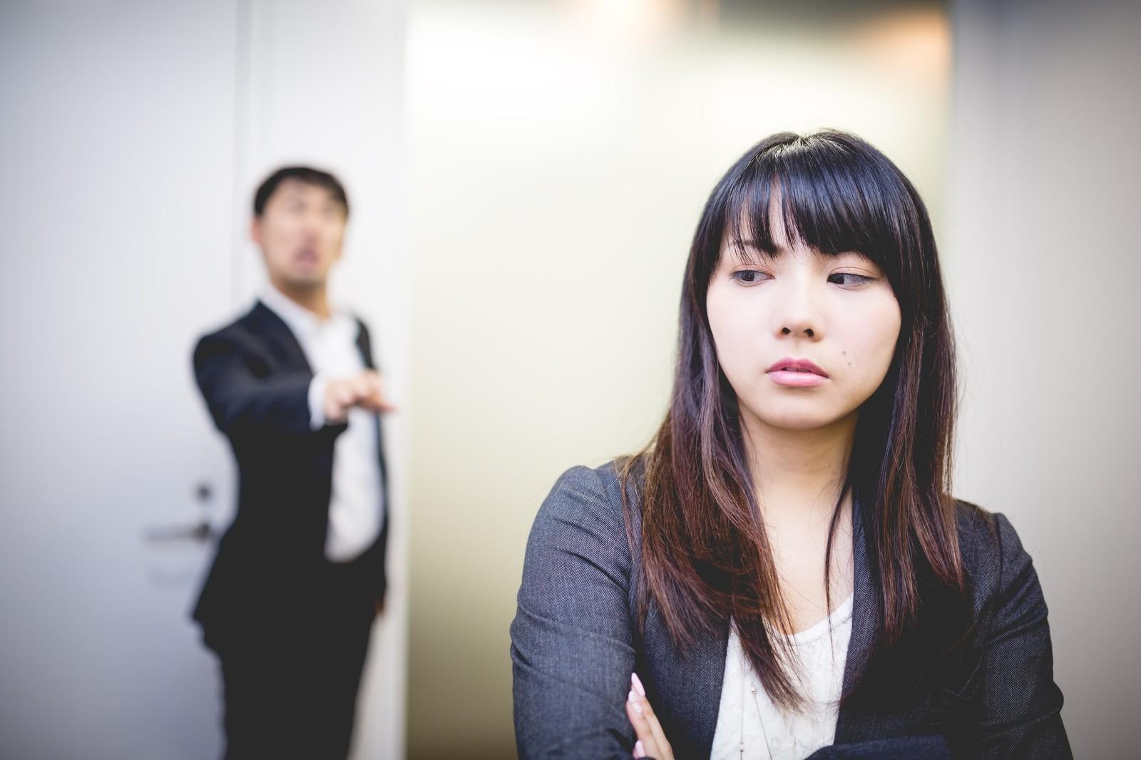 正社員よりも派遣社員の方が給料や待遇、休み日数が多い場合があります